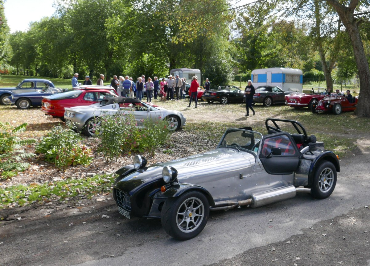 My Caterham welcoming the first arrivals